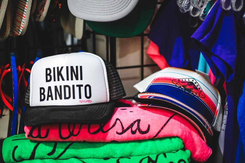 beach-hats-towels